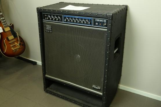 vahvistin Roland Studio Bass 100
