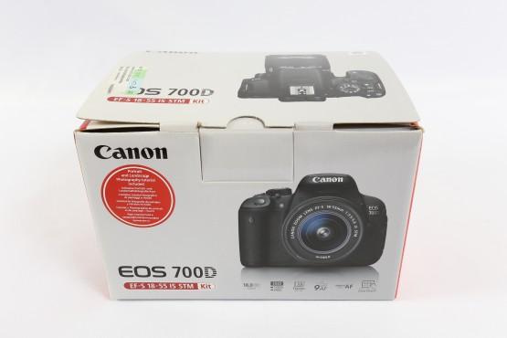 Canon EOS700D takuu, käyttämätön