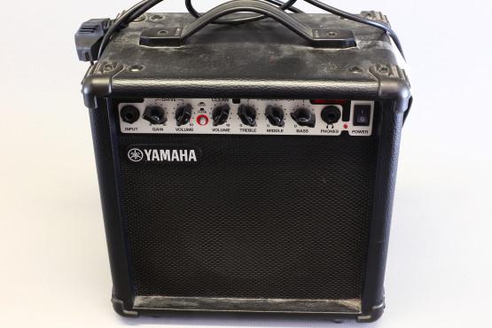 Yamaha GA-15 kitaravahvistin