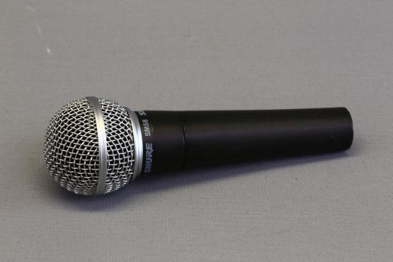 Shure SM58 mikrofoni